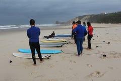 海浪教训在葡萄牙 免版税图库摄影