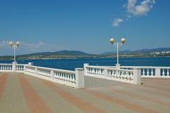 黑海海岸,在Gelendzhik镇附近的俄罗斯 免版税库存图片