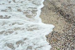 海海浪和壳 库存图片