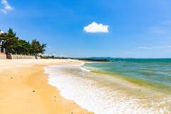 海海滩纯净的沙子 图库摄影