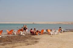 死海游泳在以色列 免版税图库摄影