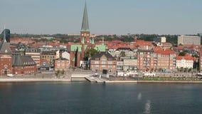 海湾、堤防和城市 奥尔胡斯,日德兰,丹麦 影视素材
