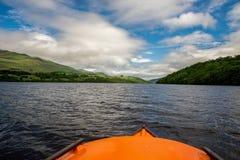 海湾从一条出租小船的Tay风景夏天视图在苏格兰 库存图片
