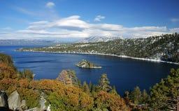 海湾加利福尼亚绿宝石Tahoe湖 库存照片