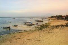 海湾印度尼西亚lembongan超出日出 免版税库存照片