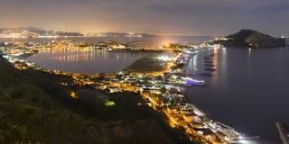 海湾和品柱Miseno的看法 免版税库存照片