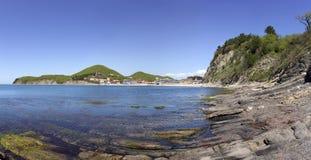 海湾和峭壁的看法 黑海 免版税图库摄影