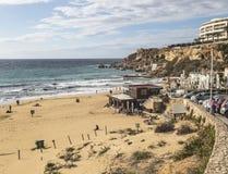 海湾和海滩在金黄沙子在马耳他依靠 免版税库存图片