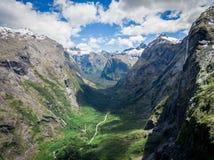 海湾山空中风景在新西兰 免版税库存图片