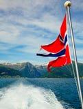 海湾挪威标志的山 图库摄影