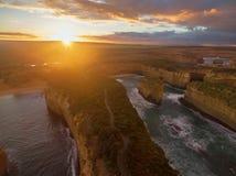 海湾日出的Ard峡谷鸟瞰图  库存图片
