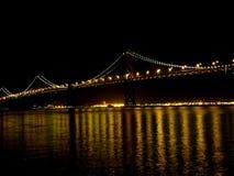 海湾桥梁泛光灯 免版税库存图片