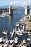 海湾桥梁burrard小河错误海滨广场 免版税图库摄影