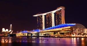 海湾海滨广场晚上铺沙新加坡 免版税库存图片