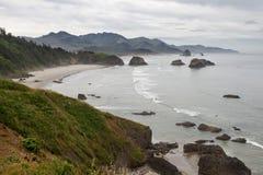 海湾海滩大炮海岸月牙俄勒冈 免版税库存图片