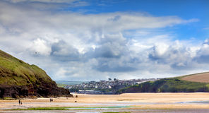 海湾海滩cornwall daymer横向英国 免版税库存图片