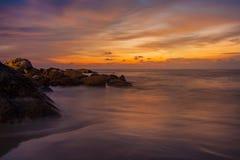 海湾海滩海岛王国酸值mak省泰国日落热带泰国的trat 图库摄影
