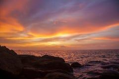 海湾海滩海岛王国酸值mak省泰国日落热带泰国的trat 库存照片