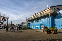 海湾的码头39和水族馆在Fishermans码头-旧金山,加利福尼亚,美国的 免版税库存照片
