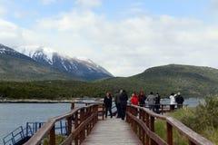海湾的Lapataia游人在火地群岛国家公园  免版税库存照片