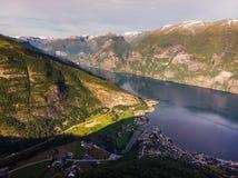 海湾风景Aurlandsfjord在挪威 免版税库存图片