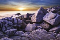 海湾黄昏热带视图 免版税图库摄影
