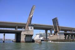 海湾biscayne桥梁 库存照片