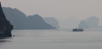 海湾halong北越南 免版税图库摄影