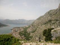 海湾kotor montenegro早晨时间 免版税图库摄影