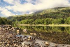 海湾Lubnaig在洛蒙德湖& Trossachs国家公园 图库摄影