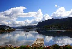 海湾plockton苏格兰 免版税库存图片