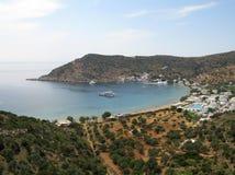 海湾vathy海岛的sifnos 免版税库存图片
