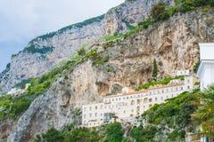 海滨城市阿马飞美丽的景色萨莱诺省的,褶皱藻属,阿马尔菲海岸,Costiera Amalfitana,意大利的区域 免版税库存图片