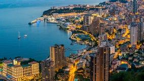 海滨城市鸟瞰图,在豪华旅游胜地,天对夜定期流逝的房地产 影视素材