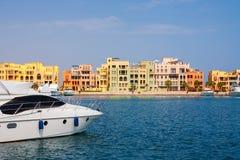 海滨广场。 El Gouna,埃及 免版税库存图片