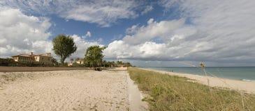 海滩佛罗里达西方横向的掌上型计算&# 免版税库存图片