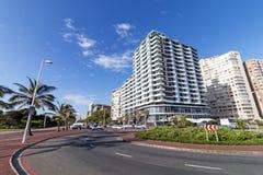 海滩前的城市地平线德班南非 库存照片