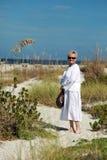 海滩前辈妇女 库存图片