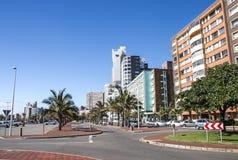 海滩前金黄的英里在德班南非 免版税库存图片