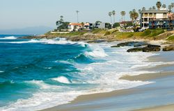 海滩加州jolla la windansea 免版税库存图片