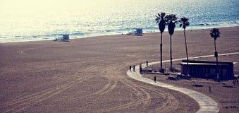 海滩加州monica ・圣诞老人 免版税库存图片