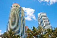 海滩南公寓的高层 图库摄影