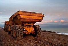 海滩卡车小卵石二 免版税库存图片