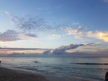 海滩古巴是呼吸采取 库存照片