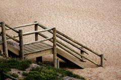 海滩台阶 免版税库存图片