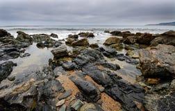 海滩合并海岸线浪潮 免版税库存照片