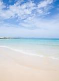 海滩含沙美丽的费埃特文图拉岛 免版税库存图片