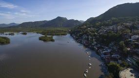 海滩和天堂地方,环球美妙的海滩, Marambaia海滩Restinga,里约热内卢,巴西 图库摄影