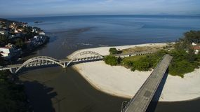 海滩和天堂地方,环球美妙的海滩, Marambaia海滩Restinga,里约热内卢,巴西 免版税库存图片