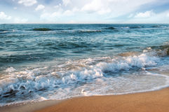海滩和海浪 免版税图库摄影